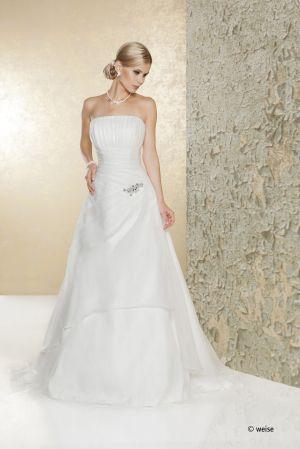 Ein Traum in Chiffon und Seide - Faszination Brautkleid | Hochzeit ...