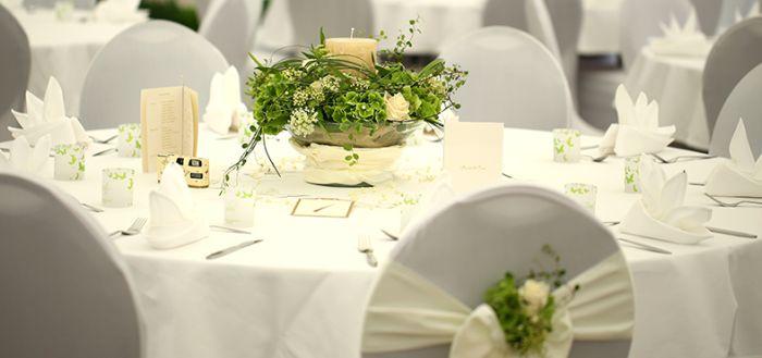 Die tischdekoration zur hochzeit sitzordnung for Hochzeitstafel deko